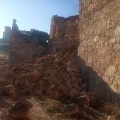 Se derrumba un tramo de la muralla de Belmonte (Cuenca)