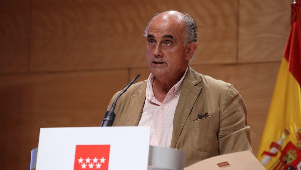 Antonio Zapatero durante su rueda de prensa