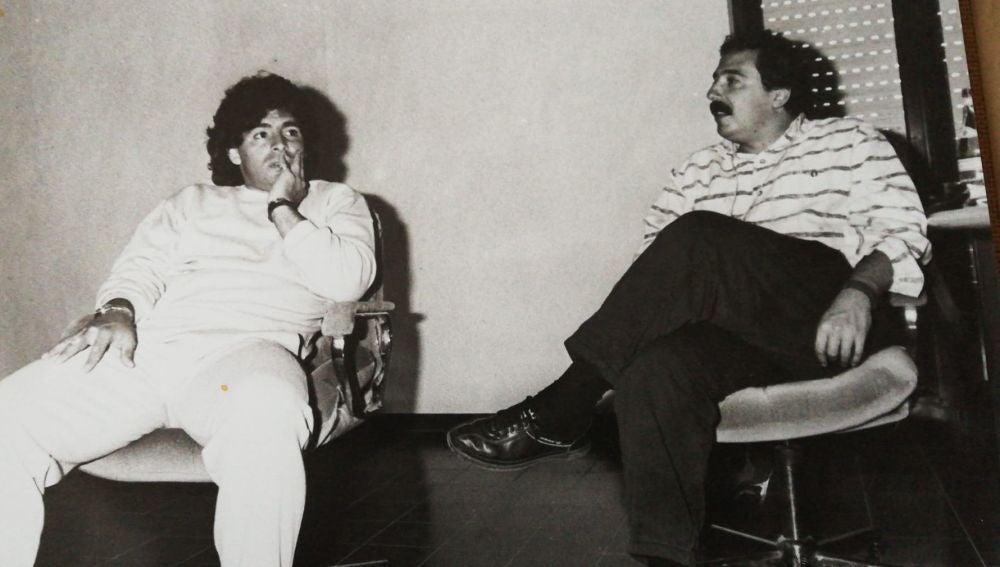 Charla entre Maradona y Ortego.