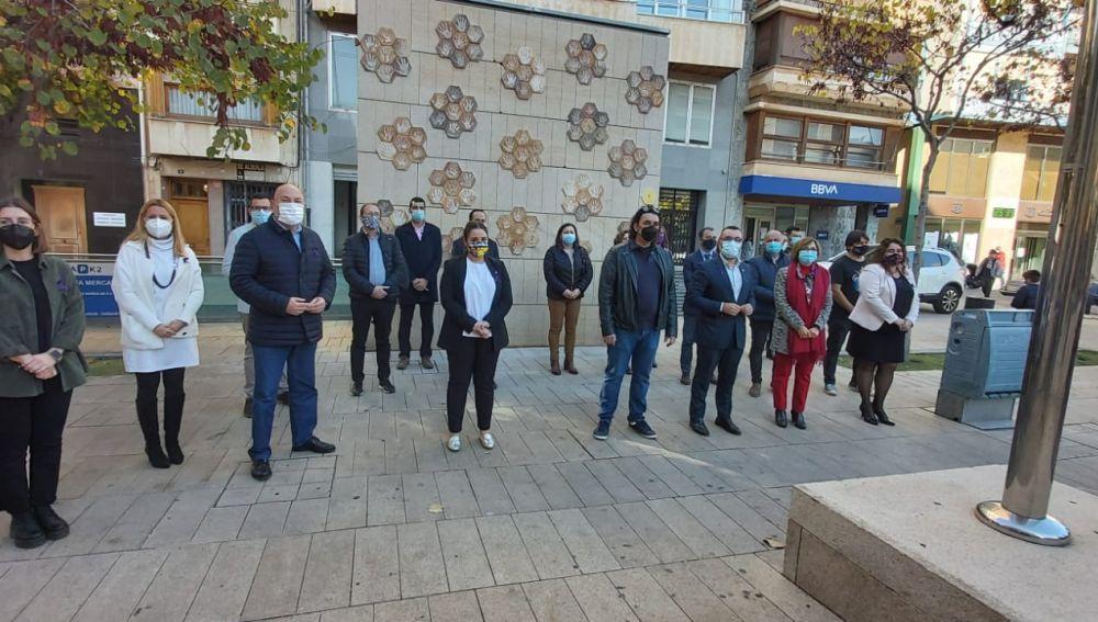 Imagen del minuto de silencio en el Ayuntamiento de Vila-real.