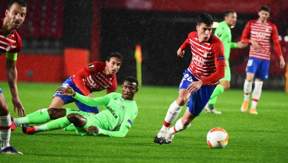 El Granada pone un pie y medio en octavos tras sumar otra victoria