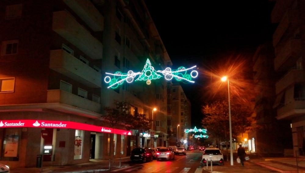 Alumbrado navideño en el entorno de la Plaza de Castilla de Elche.