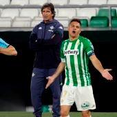 Pellegrini observa las quejas de Joaquín al colegiado Martínez Munuera.