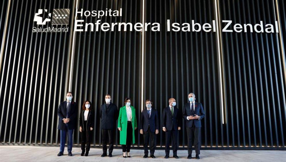 Ayuso, Casado o Martínez-Almeida, en la inauguración del hospital Enfermera Isabel Zendal.
