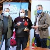 La Asociación de Donantes de Sangre continúa su ronda para entregar premios