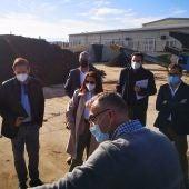 Hidraqua y la UMH concluyen el estudio para desarrollar compost a escala industrial procedente de lodos de depuradora