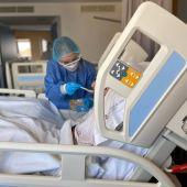 """Los sanitarios piden a los ciudadanos que """"les ayuden a ayudarles"""" para evitar contagios en Navidad"""