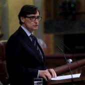 El ministro de Sanidad, Salvador Illa, durante su intervención en el pleno del Congreso que acelera la tramitación de la ley de la eutanasia