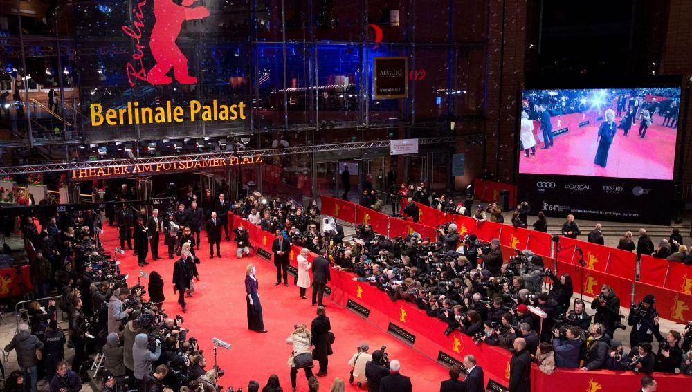 Imagen de archivo de la alfombra roja de la Berlinale, desplegada en Potsdamer Platz