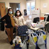 Las Supernenas hacen llegar sus regalos a la planta de pediatría oncológica del Hospital de Toledo