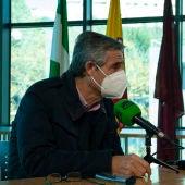 Isidoro Gambín, alcalde de Arcos, durante una entrevista en Onda Cero