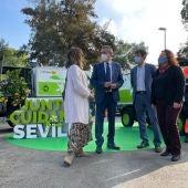 El alcalde de Sevilla, Juan Espadas, durante la presentación de una de las campañas informativas de Lipasam.
