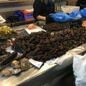 Puesto de marisco en el mercado de la Plaza de Lugo