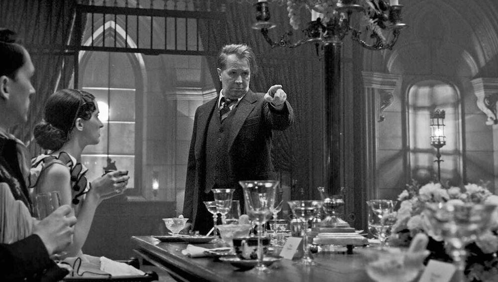 El actor Gary Oldman en una imagen promocional de 'Mank', la película de David Fincher