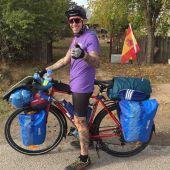 Santiago Sánchez, que viajó en bicicleta desde Alcalá de Henares a Arabia Saudí