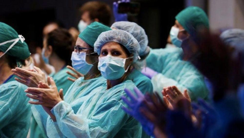 El SMS ordena suspender todos los permisos del personal sanitario