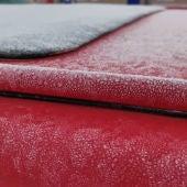 Proyecto Mastral – El tiempo en Torrevieja publica imágenes de coches cubiertos de hielo