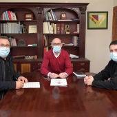 El Ayuntamiento de Argamasilla y el Atlético Cervantino rubrican el convenio de colaboración