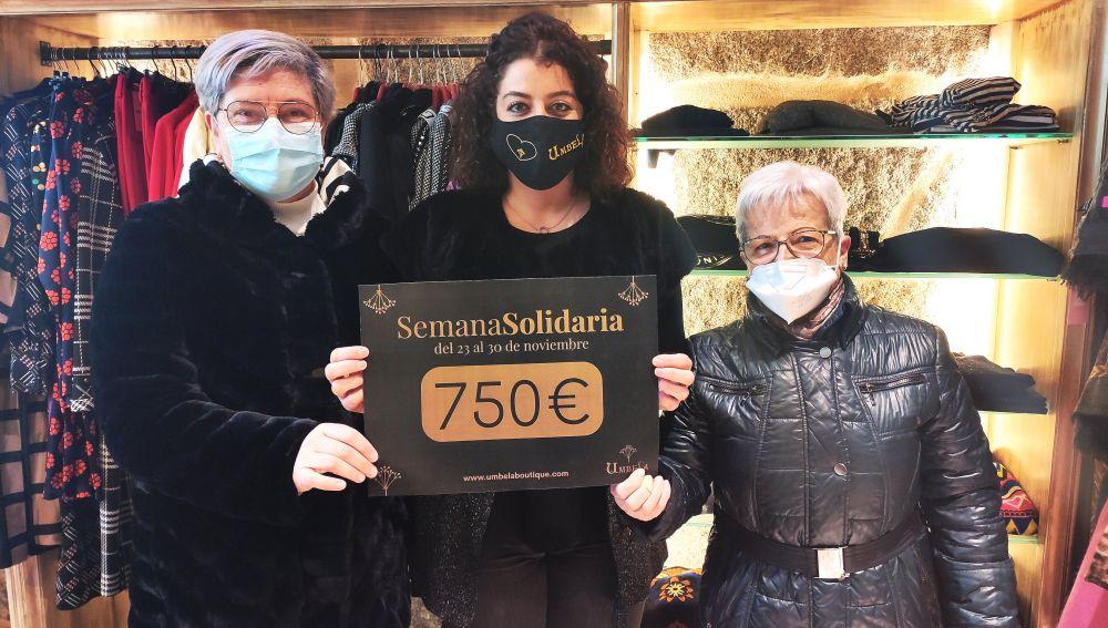 Umbela Boutique dona 750 € a familias de A Ponte