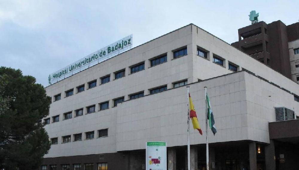El Hospital Universitario de Badajoz cuenta con una nueva Unidad de hospitalición de enfermedades infecciosas.