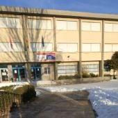 Acceso limpio de nieve al colegio Dulcinea de Alcalá de Henares