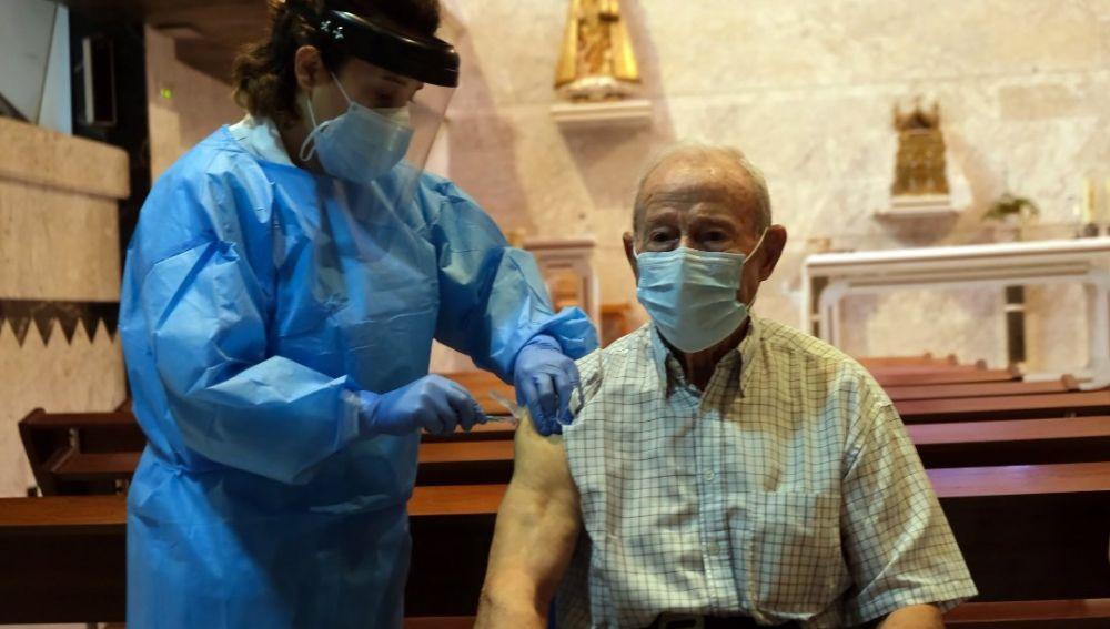La residencia de Cevico de la Torre recibe la segunda dosis de la vacuna