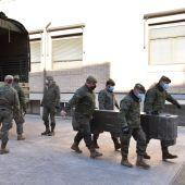El Ejercito desinfecta el Asilo de San José de Elche con 88 casos de covid confirmados de los que 63 son ancianos.