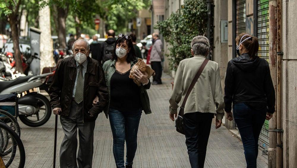 La Comunidad Valenciana estudia prohibir las reuniones entre personas no convivientes debido al aumento de casos de coronavirus