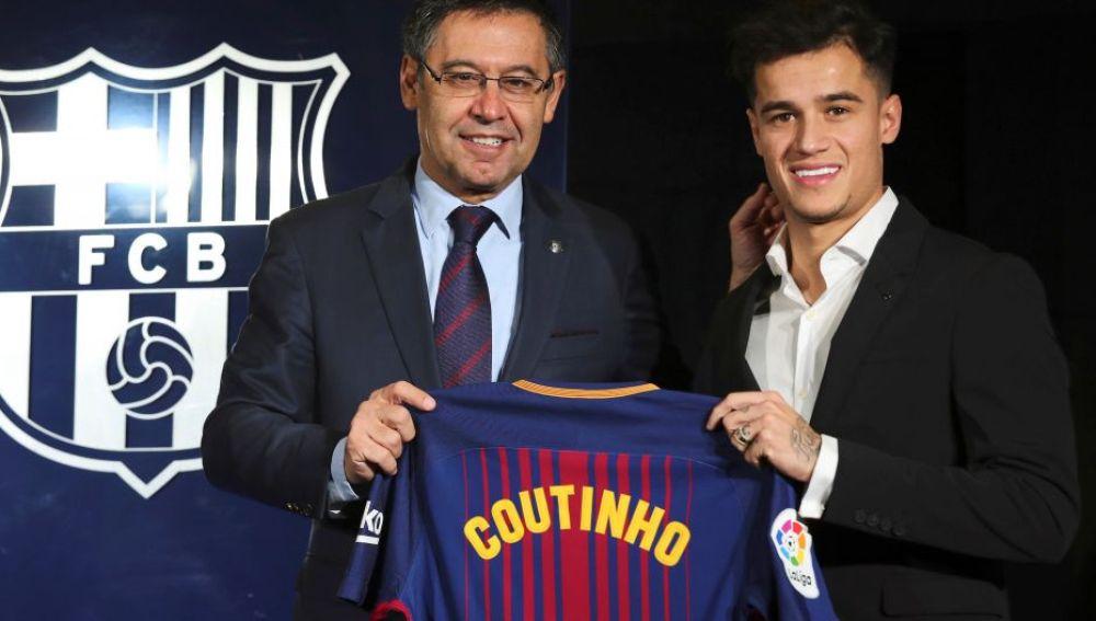 Coutinho en su presentación con el Barcelona