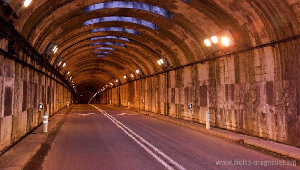El túnel de Bielsa seguirá cerrado por las noches, al menos, hasta marzo