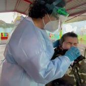 Los 400 niños y profesores del colegio CEIP A Ponte de Ourense se someten a un cribado ante los contagios de coronavirus