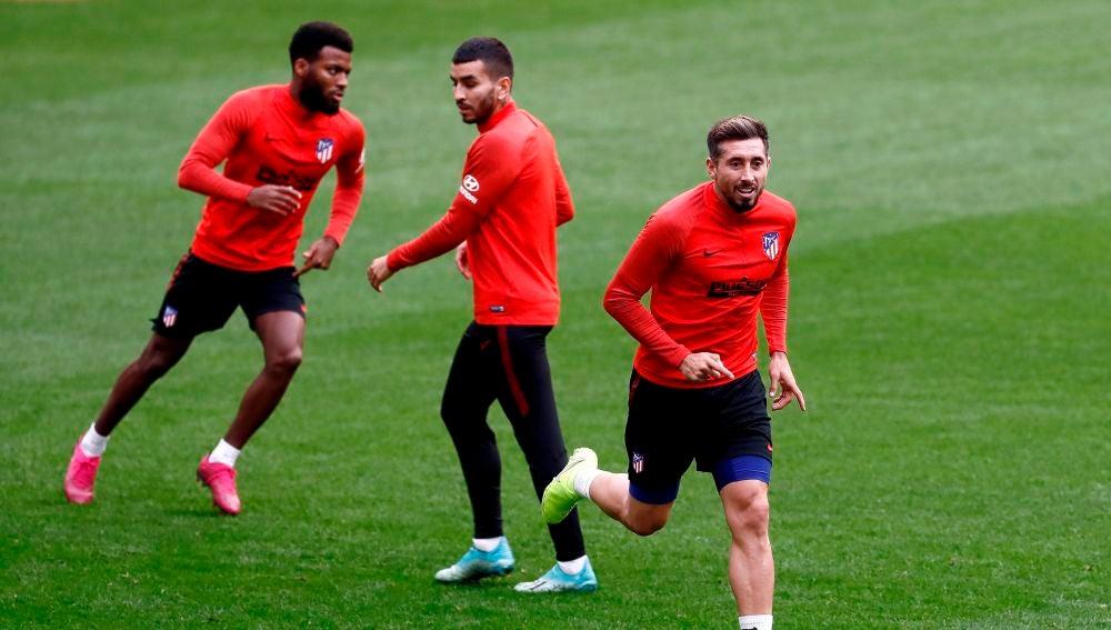 Lemar, Correa y Herrera se ejercitan con el Atlético de Madrid.