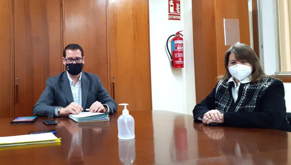 Víctor García y Julia Llopis