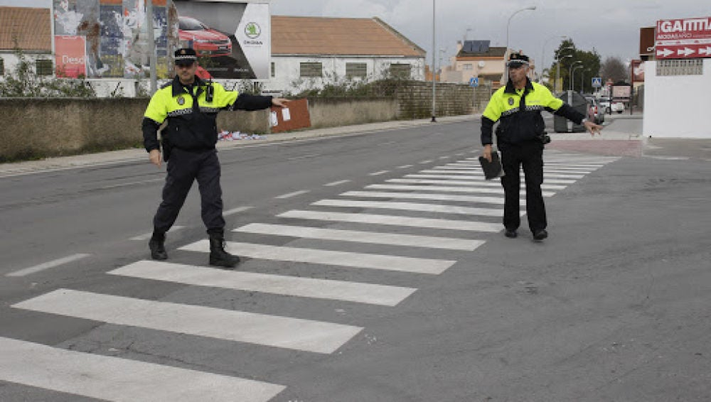 La Policía identifica a 30 personas y sanciona a nueve este fin de semana por incumplir las medidas covid