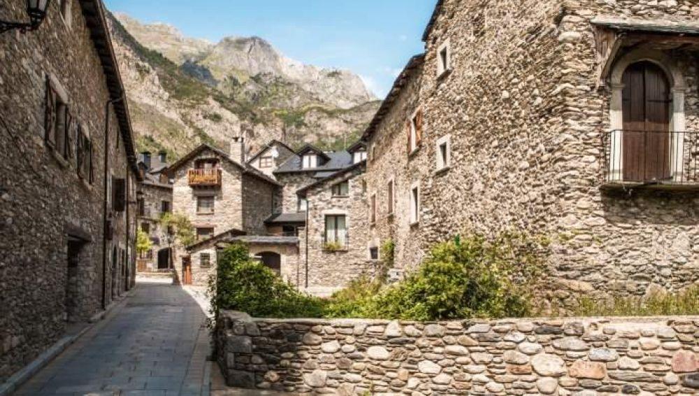 Ayuntamientos del Pirineo ven difícil contratar a todos los inscritos