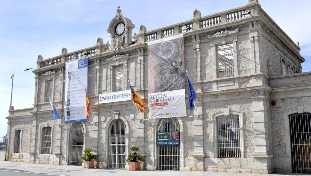 La antigua estación de Murcia, hoy Casa Mediterráneo
