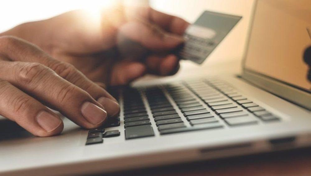 Investigado en Campo de Criptana por contratar un crédito para cobrarlo con el seguro de la tarjeta bancaria