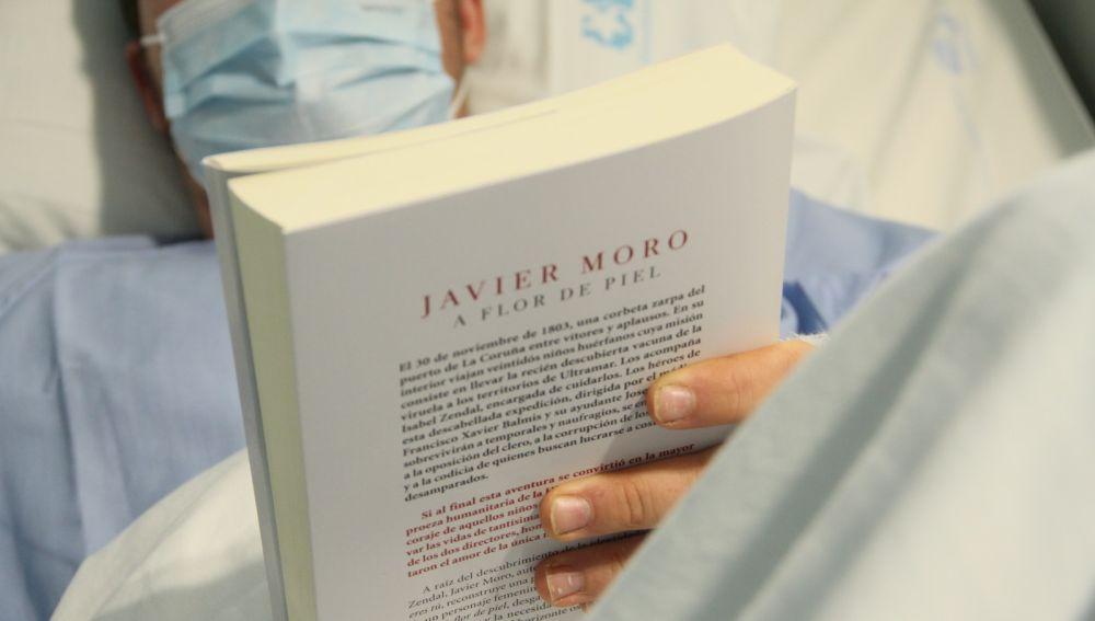 Octavian nos habla de la lectura que se la atascado: la novela 'Flor de piel' de Javier Moro sobre la epidemia de la viruela y la Expedición Balmis
