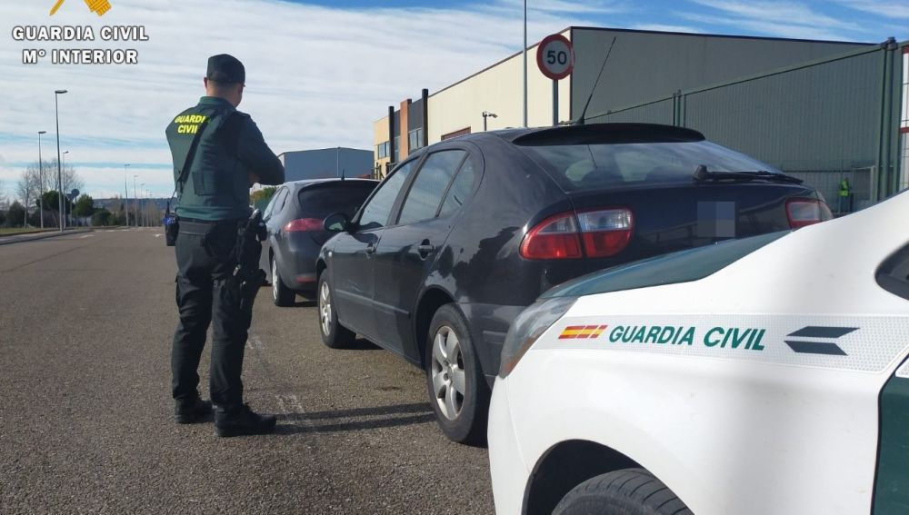 La Guardia Civil recupera un vehículo que fue sustraído en Palencia