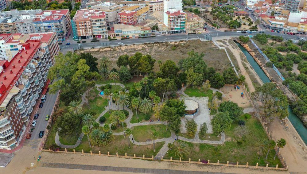 La documentación del Estudio de Detalle plano O.9, con carácter vinculante, reafirma que prácticamente todo el arbolado existente en dicho parque permanecerá tal cual está ahora en la actualidad