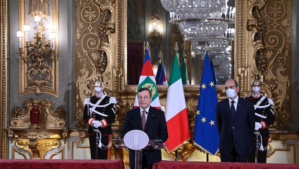 El nuevo primer ministro italiano, Mario Draghi, anunció hoy un Gobierno formado por 23 ministerios, 15 de ellos otorgados a la heterogénea mayoría de partidos que le apoyan, pero otros importantes como Economía o Innovación confiados a técnicos.