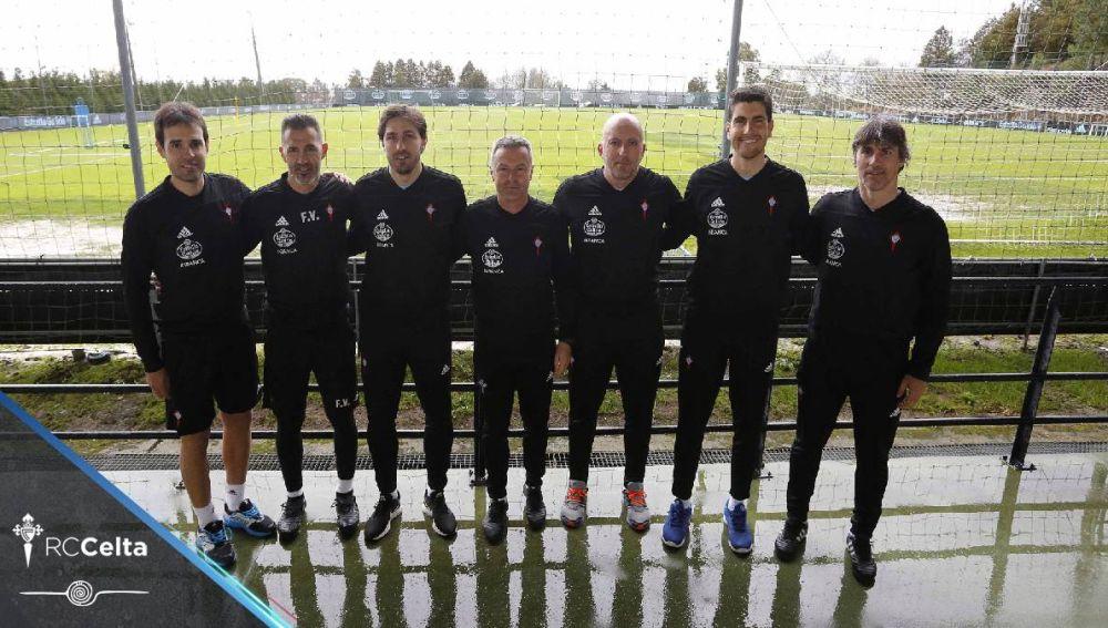 De izquierda a derecha: Borja Oubiña, ayudante; Fernando Villa, entrenador de porteros; David Generelo, segundo entrenador; Fran Escribá, entrenador; Miguel Villagrasa, preparador físico, David Martínez, técnico asistente; y Mario Bermejo, ayudante