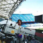 Pilar Alonso, primera mujer camarógrafa en retransmitir partidos de fútbol en directo.