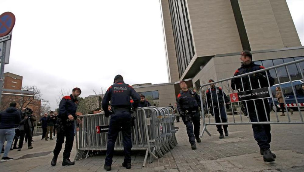 Más de 14.000 policías controlarán el 14F en su mayor dispositivo electoral