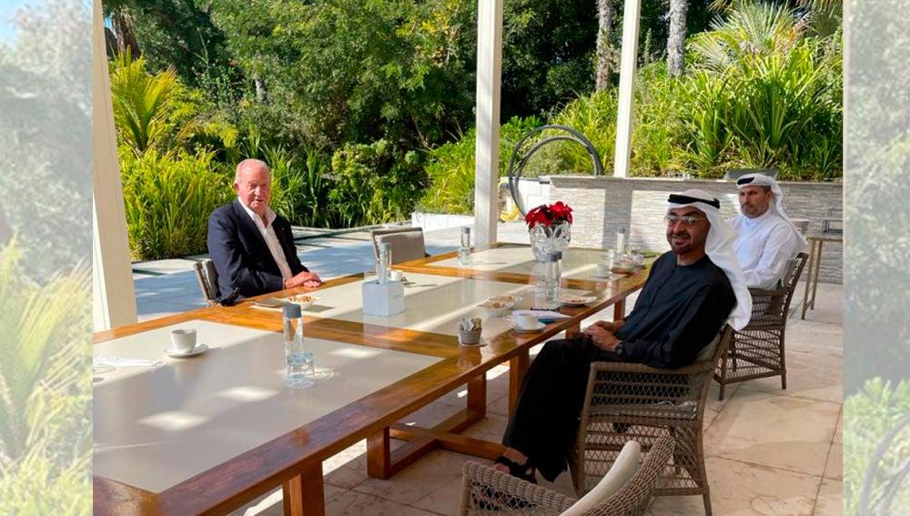 Don Juan Carlos junto al príncipe heredero de Abu Dabi