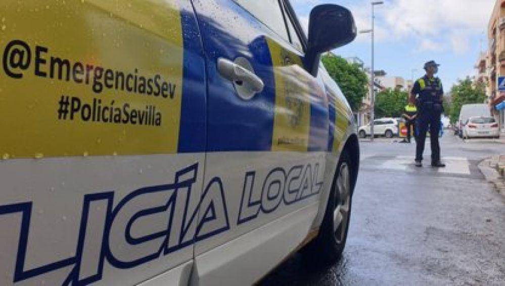 Coche patrulla de la Policía Local de Sevilla