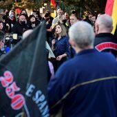 La responsable de la Sección Femenina del partido Falange Española, Isa Peral, en la marcha neonazi en homenaje a los caídos de la División Azul