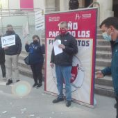 Los hosteleros han roto platos frente a la Subdelegación del Gobierno