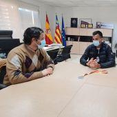 El atleta torrevejense consigue en Sevilla su mejor marca personal y la mínima para participar en los próximos Juegos Olímpicos