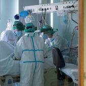 Sanitarios luchando contra el coronavirus